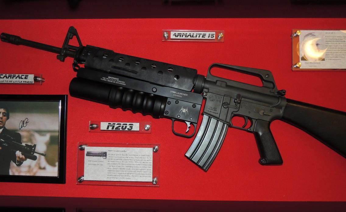 Exclusive Scarface Al Pacino Gun Display Case Al Pacino